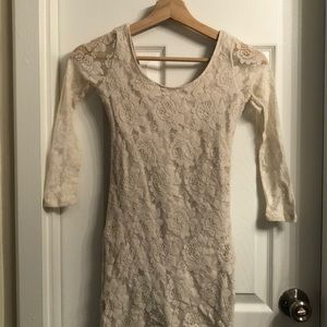 Fitted floral lace dress